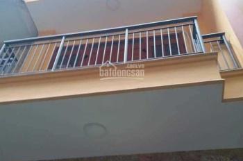 Cho thuê nhà riêng Tân Mai, 40m2 x 3,5 tầng đối diện chung cư K35, ô tô đỗ cửa, giá 11tr/th