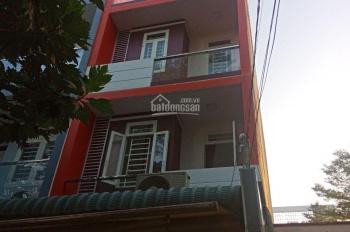 Cần tiền bán gấp căn nhà MT đường số Phạm Thế Hiển, phường 7, quận 8