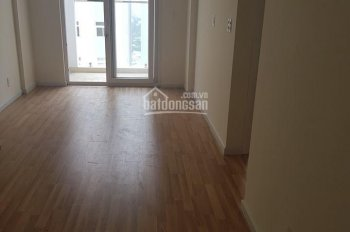 Chính chủ cần bán căn góc 2 phòng ngủ, 2 WC, hướng hồ bơi, 73m2, giá 1.9 tỷ. Liên hệ: 0902861264