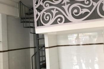 Cho thuê nhà MT Ông Ích Khiêm, Quận 11. DT: 3.6 x 6m, lửng, 3 lầu, nhà mới sạch đẹp, giá 18tr/th TL