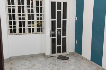 Cho thuê nhà HXH đường Lạc Long Quân, phường 3, Q11. DT: 3.2x12m, lửng, lầu, 3 phòng, 3WC, 12 tr/th