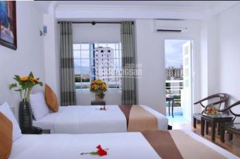 Gấp, cho thuê khách sạn mặt tiền phố tây, Nguyễn Thiện Thuật 18pn, giá thuê 60 triệu/th, Nha Trang