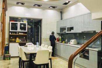 Bán nhà 4 tầng ngõ chẵn Văn Cao, thiết kế hiện đại, sang trọng. Ô tô đỗ tận trong nhà, giá hot