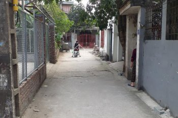 Bán gấp mảnh đất 48.6m2 tại tổ 4 phường Việt Hưng. Liên hệ: 0978.145.020