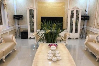 Bán biệt thự KĐT Yên Hòa, DT 200m2, xây 3,5 tầng. Mặt tiền 13,5m, đường rộng, giá 35 tỷ