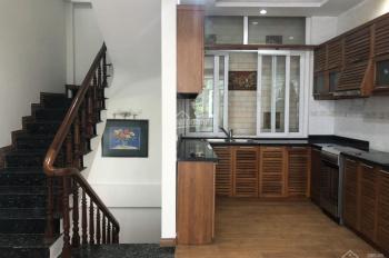 Cho thuê nhà mặt phố Dịch Vọng diện tích 65m2 x 6T. Cho thuê 2 tầng dưới giá 35tr/th, LH 0969488683