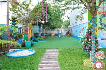 Cho thuê nhà 350m2 x 2 tầng + 500 sân làm nhà hàng, trường học khu Thái Hà