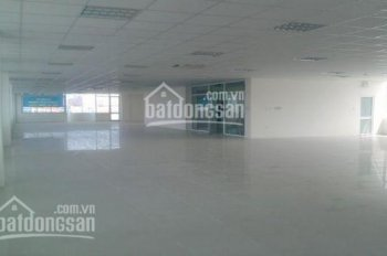 Cho thuê văn phòng - mặt bằng 550m2 tại Lê Văn Lương, giá chỉ 100 triệu/tháng