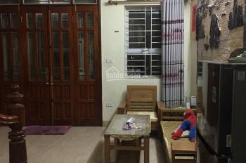 Bán nhà cũ full nội thất, 33m2 x 5T x3PN, ngõ 12 Quang Trung, cách ngã 4 Văn Phú 200m, giá: 2.35 tỷ