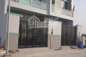 Bán nhà 1 trệt 1 lầu gần bệnh viện Xuyên Á giá 2 tỷ, liên hệ 0909970660 gặp Thoạia