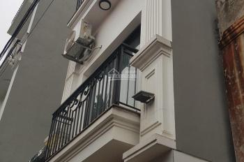 Bán nhà 5 tầng thiết kế hiện đại được tổ 26 P Long Biên, Hà Nội