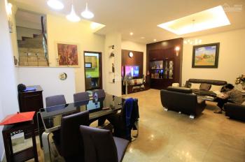 Cho thuê nhà đẹp gần Lăng Bác đầu phố Đội Cấn 70m2 x 3,5t, MT 8m nhà đẹp full nội thất giá 17 tr/th