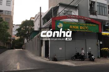 Cho thuê nhà nguyên căn góc 2 mặt tiền đường Hồng Hà và chung cư, Phường 2, Tân Bình. 7,6x24m 3 lầu