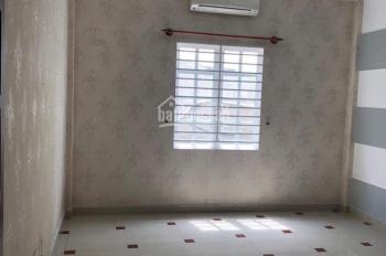 Cho thuê nhà đường Lũy Bán Bích, quận Tân Phú 4,7m x 18m, LH: 0899.249.189
