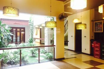 Cho thuê nhà mặt phố Nguyễn Như Đổ gần ga Hà Nội: 135m2 x 4 tầng, mặt tiền 10m. 0906216061
