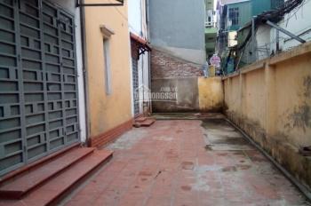 Cho thuê nhà riêng 2 tầng x 60m2 và sân rộng 55m2 tại Định Công Hạ. Giá: 7.5 triệu/tháng
