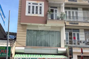 Cho thuê nhà mặt phố Cách Mạng Tháng 8, gần nhà thờ Bà Rịa, DT: 115m2, 30tr/tháng, 0905819868