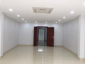 Cho thuê nhà phân lô Đội Cấn gần ngã tư Văn Cao 60m2*4T mặt ngõ to, ô tô đỗ cửa tiện VP & KD online