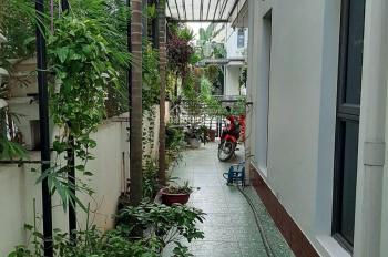 Bán căn BT 3 mặt thoáng tại Vinhomes Thăng Long. Nhà mới vị trí đẹp, 2 mặt tiền DT 157m2, giá 12 tỷ