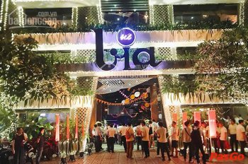 Nhượng nhà hàng bia lớn nhất Hà Nội, phố Hoàng Quốc Việt Cầu Giấy. Diện tích sử dụng 1000m2, MT 50m