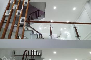 Cần bán gấp nhà ngõ 71 Tân Ấp giá 1.3 tỷ, 23m2x3 tầng, MT 3,6m
