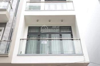 Cho thuê nhà mới 221/8B Võ Văn Tần, đoạn 2 chiều hẻm xe hơi thông thoáng Q3, liên hệ: 090 2777128