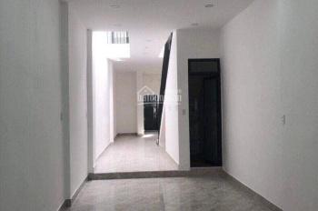 Cần cho thuê căn nhà đẹp mặt tiền đường Trương Định, chỉ với 12tr/ tháng. Lh: 0982497979 Ms Vy