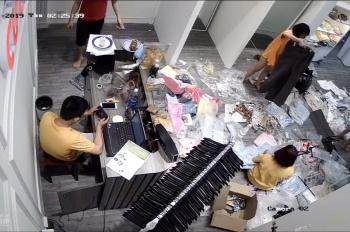 Cần sang shop quần áo nữ Quang Trung, phường 10 giá tốt, LH: 0376319745
