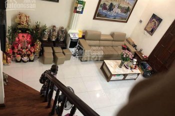 Bán gấp nhà Nguyễn Cao, Hai Bà Trưng, 32m2, 4T, ô tô 20m, giá 2 tỷ, LH 0824231789