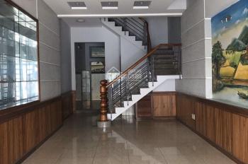 Cho thuê nhà đẹp hẻm lớn đường Cách Mạng Tháng 8, P. 5, Q. Tân Bình