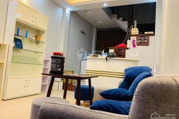 Cho thuê nhà ngõ 221 Tôn Đức Thắng, DT 60m2, 5 tầng, ô tô đỗ cửa. Thích hợp spa, văn phòng