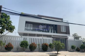 Cho thuê biệt thự 400m2 sân vườn - hồ bơi trệt 3 lầu đường Ngô Quang Huy, P. Thảo Điền, Quận 2