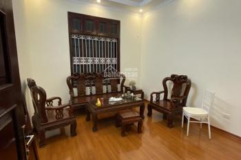Cho thuê nhà riêng ngõ 121 Thái Hà, ô tô đỗ cửa. 60m2, 5 tầng, nhà mới, làm văn phòng, spa