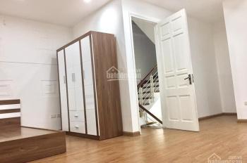 Cho thuê căn hộ dịch vụ tại 237 Hồng Hà (gần chợ Long Biên), Hoàn Kiếm, Hà Nội