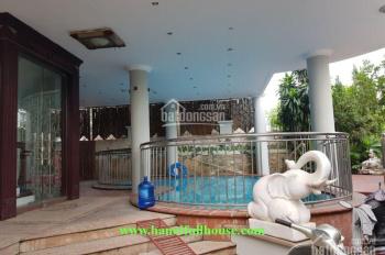 Cho thuê biệt thự 160m2 x 4 tầng, sân vườn bể bơi, view Hồ Tây, để ở hoặc làm văn phòng, giá cực rẻ