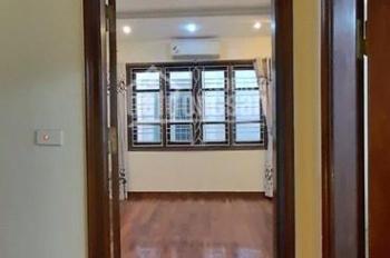 Cho thuê nhà riêng rộng 60m2 x 4 tầng trong ngõ 67 Thái Thịnh, Thịnh Quang, ngõ rộng rãi ô tô