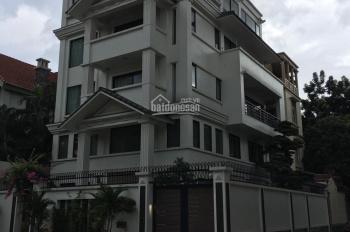 Cho thuê biệt thự khu đô thị Dịch Vọng, diện tích 160m2 * 4 tầng, mặt tiền 10m. Giá 45tr/tháng