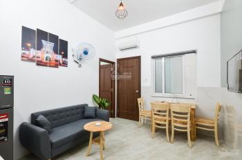 Cho thuê căn hộ dịch vụ 2 phòng ngủ, full nội thất, 50m2 ngay Etown Cộng Hòa