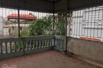 Cho thuê nhà riêng tại Nguyễn Văn Cừ, Long Biên, Hà Nội, giá: 6,5 triệu/tháng. LH: 0398688025