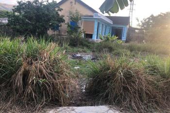 Bán nhanh lô đất đối diện chợ Vĩnh Thái thổ cư 100% đường ô tô, Lh 0908208379