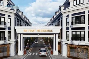 Bán nhà phố mặt tiền Bùi Thị Xuân, P. Tân Bình, TP. Dĩ An, NH hỗ trợ 70%. LH: 0909713282
