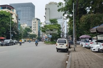 Cho thuê nhà mặt phố Nguyễn Chí Thanh, mặt tiền 8m, LH: 0922226138