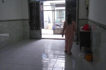 Cho thuê nhà hai mặt tiền hẻm 4m đường Trần Văn Cẩn, DT: 4x18m, trệt lầu 3PN ngủ 2WC. Gía 10tr/th