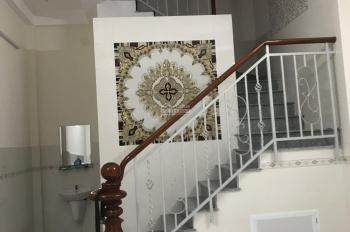 Cho thuê nguyên căn nhà mặt tiền Gò Vấp đúc 3 tấm, mới 100%, giá chỉ 15 triệu, tiện KD mọi mặt hàng