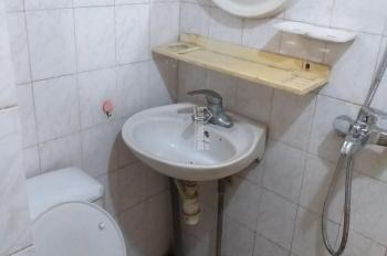 Cho thuê căn hộ tầng 2 Hàng Bồ, VS khép kín, NL, ĐH