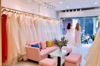 Cần sang nhượng lại tiệm đồ cưới đang kinh doanh tốt ở quận 10
