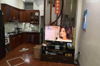 Cho thuê nhà 2 tầng 2PN Nam Dư, Lĩnh Nam, giá 4,5tr/tháng. LH: 0352214494