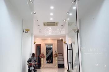 Cho thuê nhà mặt phố Đê La Thành: 120m2 x 2T, MT 4,5m. Giá: 47tr/tháng, LH Long: 0378513333