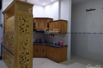 Cho thuê nhà mặt tiền Trương Định, 5 phòng ngủ