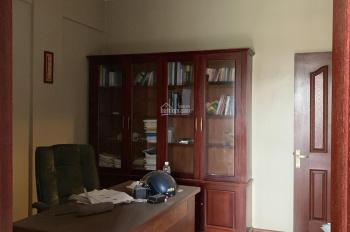 Bán căn hộ tầng 4 khu tập thể phố Hoàng Ngọc Phách